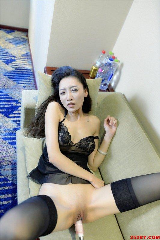 大尺度性爱私拍婀娜的身材非常诱人3