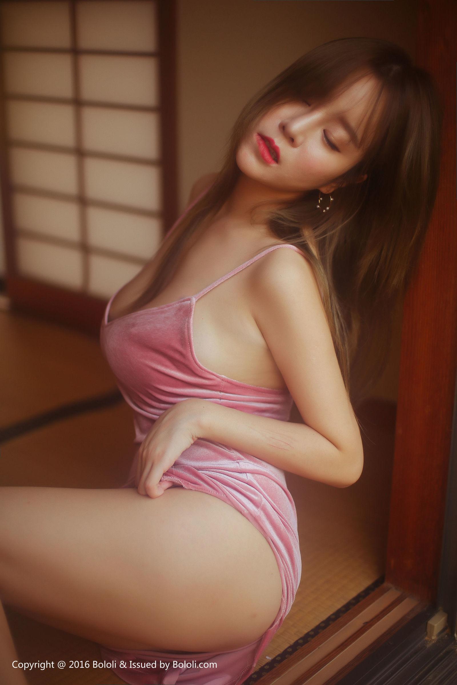 [Bololi波萝社] 王雨纯 野外露出 写真套图