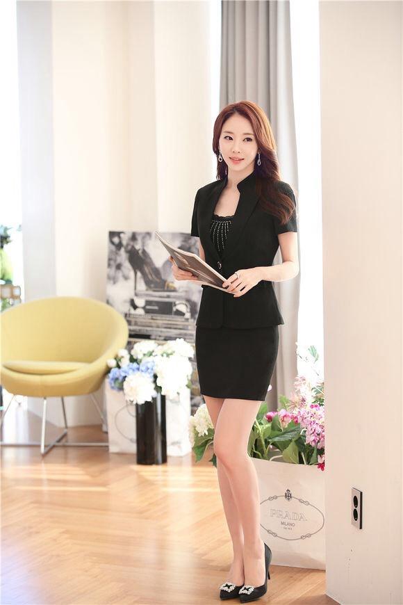 办公室职业装超短气质美女