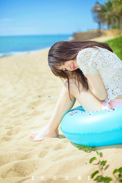 甜美少妇沙滩秀